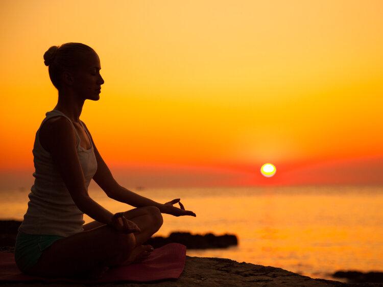meditating for positive mental health